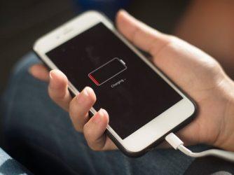 """Iphone-ul meu nu se mai încarcă"""". Ce facem? Cum rezolvăm problemele de încărcare iPhone"""