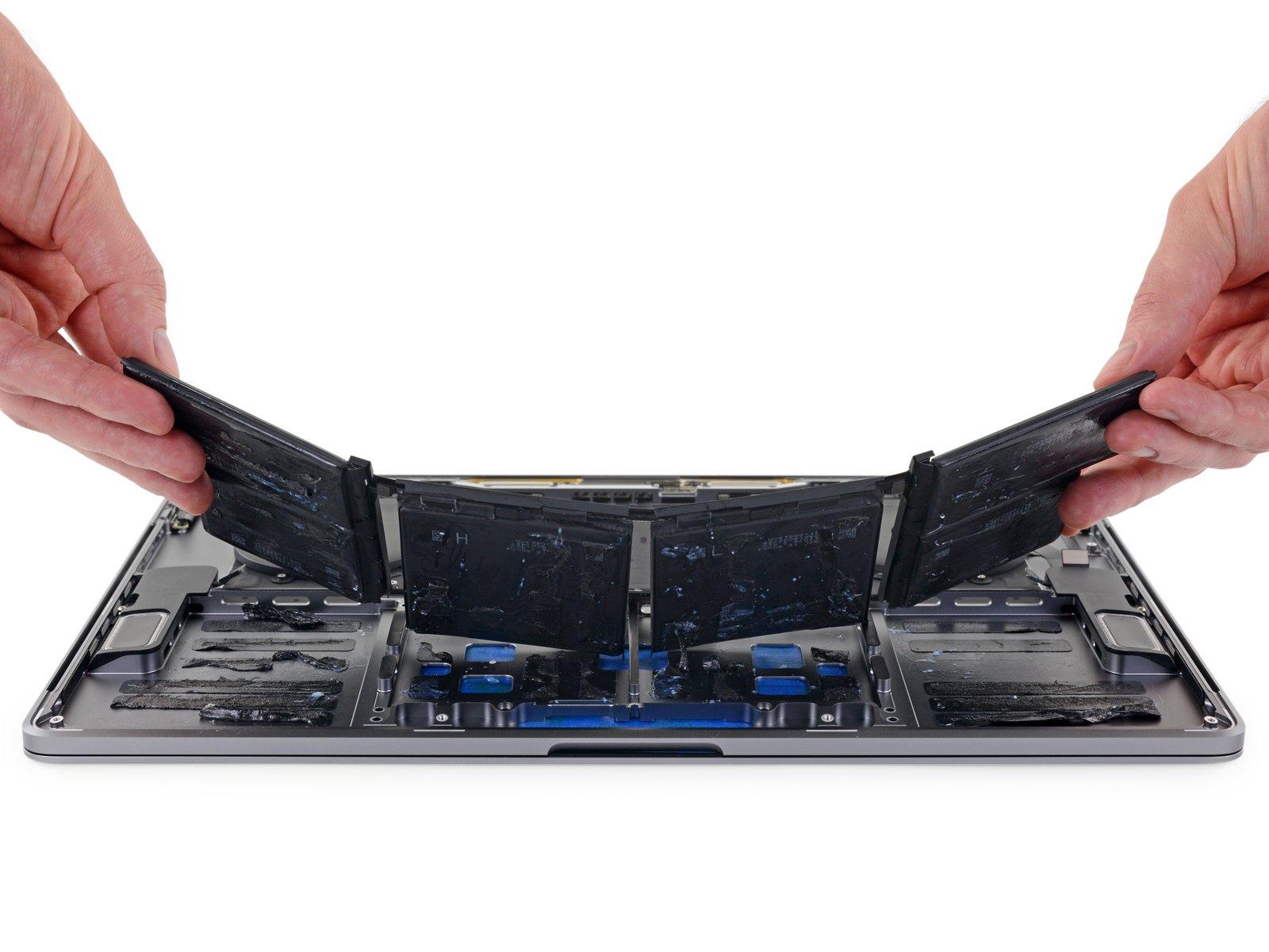 Calibrarea bateriei din MacBook va prelungi durata de viață și precizia