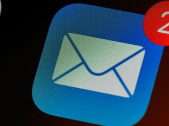 Cum setați peiPhone aplicație de e-mail implicită